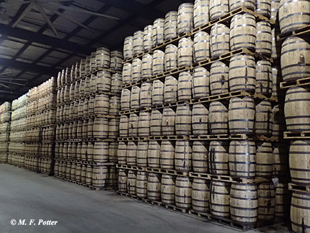 Pallet storage of barrels in a warehouse